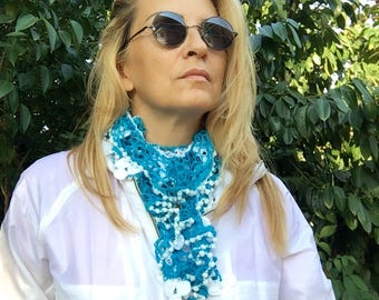 Crochet Flower Necklace, Flower Scarf, Blue and White, Crochet Lariat Scarf