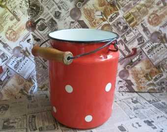 Vintage enamelware Milk jug Vintage can Enamel home decor Milk container Vintage container Kitchen container Farmhouse kitchen Red enamel