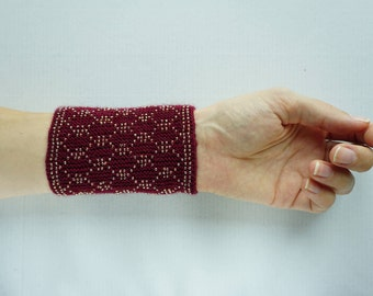 Burgundy beaded wrist warmers/ knitted wristlets with beads / woollen cuffs – ready to ship