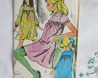 Vintage 1970s dress pattern, Maudella 5554, flared dress gathered into yoke, 1970s, size 36 inches, UNCUT