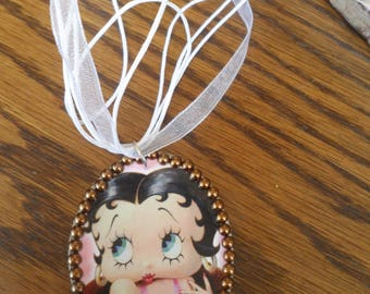 Necklace made of paper and organza Betty