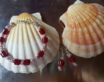 Set bracelet and earrings beaded