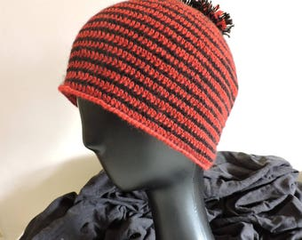 Beanie soft 100% alpaca striped red and black with pompom