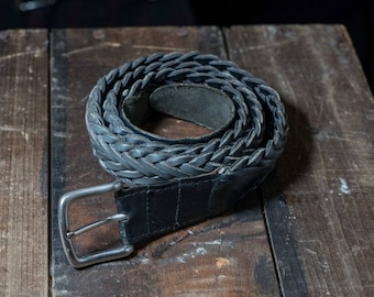 Vintage weaved belt