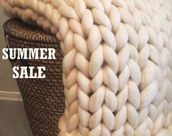 Chunky knit blanket, Premium 18 microns Merino wool blanket, Throw Blanket, Giant knit blanket, Super chunky blanket, No mulesing wool