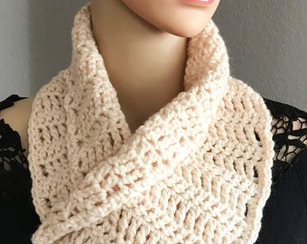 White chunky button cowl, Crochet neck warmer, Womens button scarf, Mothers Day gift, Crochet cowl scarf, White neckwarmer Cowl button scarf