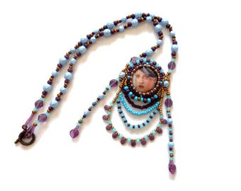 Designer necklace baroque cabochon of blue plum bronze embroidered art
