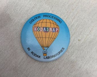Vintage 1980s Kodasnap Kodak Photography Hot Air Ballon Pin Badge