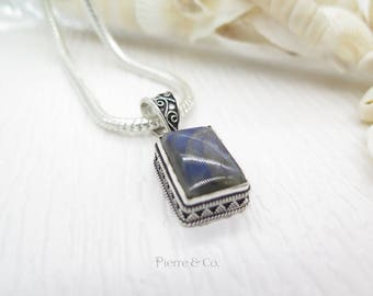 Vintage Labradorite Sterling Silver Pendant and Chain