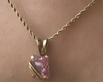Beautiful 10k Pendant Necklace with Pink Zirconia ZC1 Stamped  24 inches chain