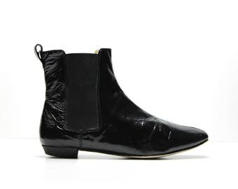 90s black patent leather minimalist ankle boots US 9.5