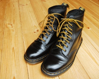Original 1990's Black Leather Dr. Martens 8-Hole Boots Made in England UK 7