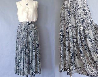 vintage Escada silk skirt/ maxi skirt/ pleated skirt/ abstract pattern/women's size S/M