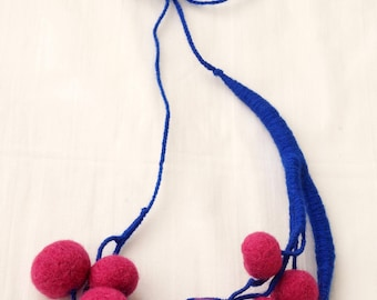 Hand-Made Fuchsia-Blue Cherry Acrylic Yarn and Wool necklace Textile necklace Women's necklace Twig Wickerwork Needlework Custom-Fit