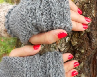 Grey mittens, Hand knit mittens, Winter gloves, cable knit hat
