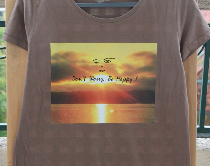 "T-shirt cotton, Brown, woman, Sun and message photo ""Don't worry"""