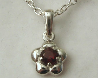 Genuine SOLID 925 Sterling Silver January Birthstone Daisy Garnet Pendant