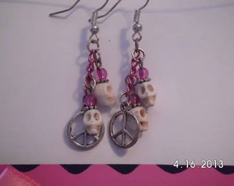 White skulls w/charm earrings.