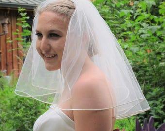 "18"" Shoulder Length Wedding Veil with Satin Cord Edge"