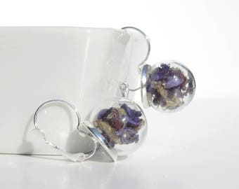 Glass globe earrings / blue flowers