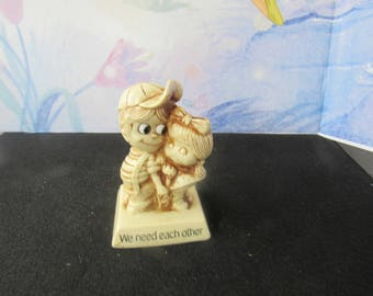 Vintage 1970 R&W Berries Co Sillisculpture Figurine 760 We Need Each Other  2702