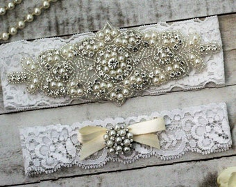 White Pearl Bridal Garter Set NO SLIP grip vintage rhinestones, pearl and rhinestone garter set