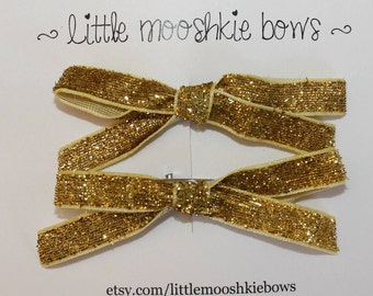 Glitter Pigtail Bows~Holiday Bows~Pigtail bows~Glitter bow~Sparkle bows~Baby girl bows~Toddler Bows~Hair Bows~Hair Clips~Baby girl Hair clip