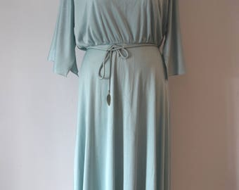 80s Vintage Midi Belted Flared Dress /Boho Pale Mint Dress / Batwing Sleeves / Woman's Clothing / M