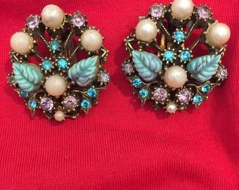 VINTAGE Rhinestone/Pearl Earrings!