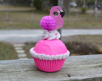 Flamingo Cupcake (fake)