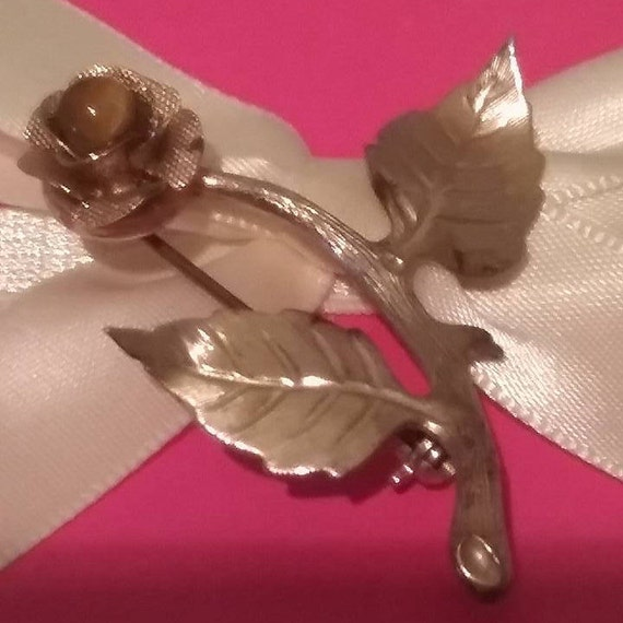 Gold Rose Brooch, Vintage Rose Brooch, Vintage Rose Pin, Rose Pin with Tiger Eye Stone, Long Stem Rose Pin, Golden Rose Pin with Tiger Eye