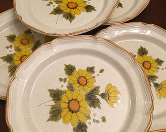 Mikasa Sunny Side Stoneware Dinner Plates (Set of 5) Yellow Flowers Sunflowers Daisy
