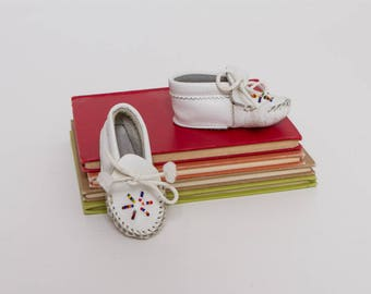 vintage 70s baby moccasins | beaded 1970s white leather shoes