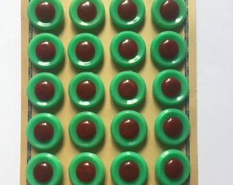 1940s 1950s French Buttons Still on Card 24 in total, plastic and possibly bakelite