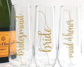 Bridal Party Champagne Flutes Personalized Bridesmaid Maid of Honor Bride Wedding Glasses - Gold Stemless Flutes Bridal Party