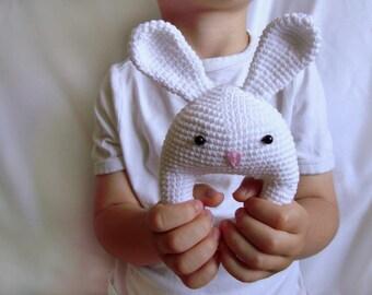 Crochet toy Crochet animal Rattles Crochet bunny White bunny Rabbit Crochet rattle Bunny Baby rattle Baby shower gift Organic baby toy