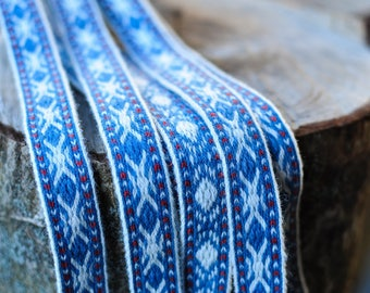 Plant dyed tablet woven trim
