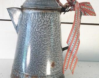 Rustic Farmhouse Kitchen Gray Graniteware Coffee Pot/Old Rustic Enamleware Coffee Pot/Farmhouse Kitchen Shabby Chic Graniteware Coffee Pot