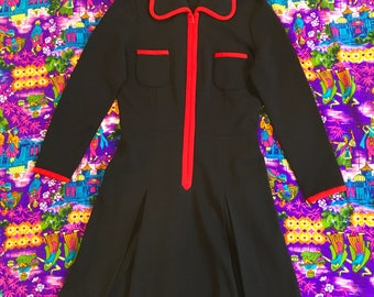 Vintage Black and Red Long Sleeve Rounded Collar Zip Up Inverted Pleat Wool Mod Dress