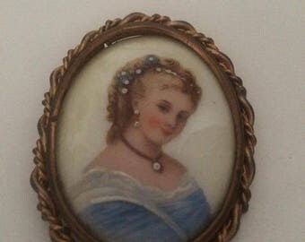 Brooch vintage porcelain limoges FRANCE