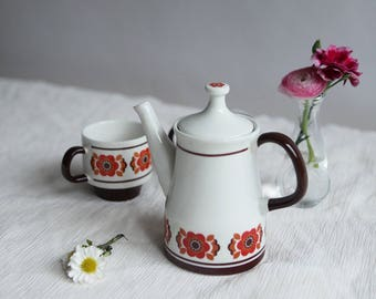Ceramic Scandinavian Modern Tea Set with Retro Floral Pattern   A Set of One Teapot & Two Tea Cups   Coffee Cups   Brick Red