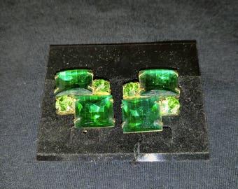 Vintage Emareld Green Rhinestone Clip on earrings