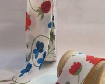 Liberty of London Mirabelle bias flowers 20 mm folded 10 mm