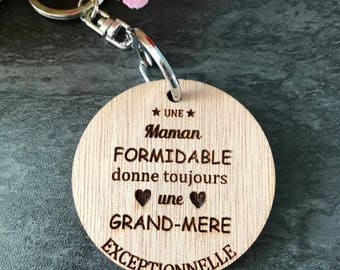 "Keyring ""A great Mom always gives..."" and its attached - Keychain personalized wood - great gift - mother - goodies"