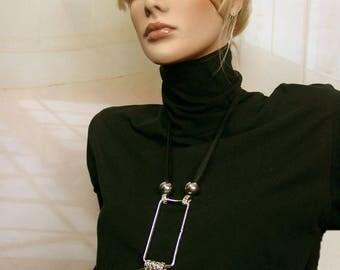 Long geometric necklace silver ORAHE