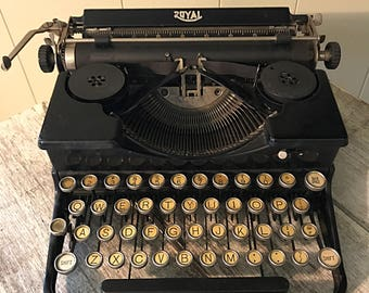1930s Portable Royal Typewriter