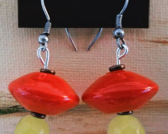 Red saucer and dyed jade earrings