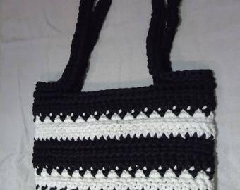 Shoulder bag, black and white
