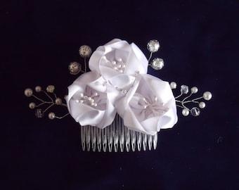 White Kanzashi comb satin flowers