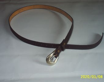 City cowhide leather belt.